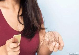 Hair Loss in Women - 3 Causes and 4 Natural Remedies